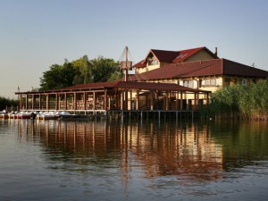 lacul IEZER imobile