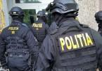Politie perchezitii mascati